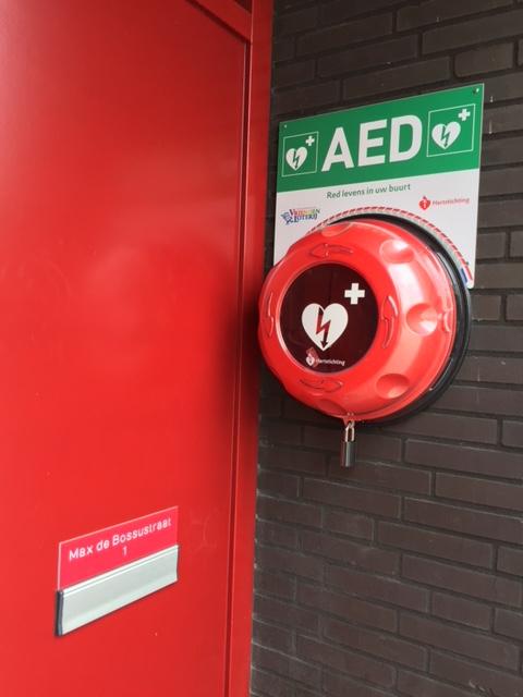 8e buitenkast AED geplaatst